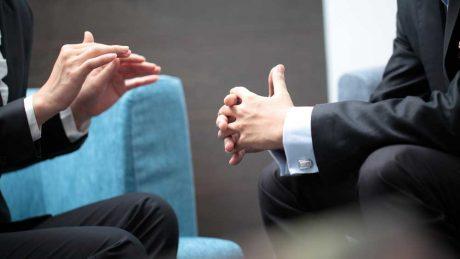 شش سوال برای رهبران